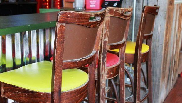 איך לבחור כסאות בר למשרד?