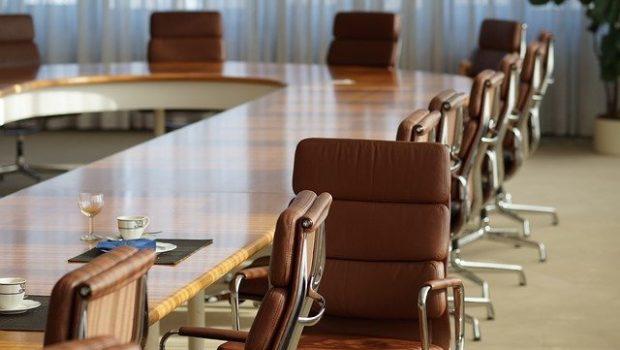 כסאות לחדר ישיבות – איך לבחור נכון?